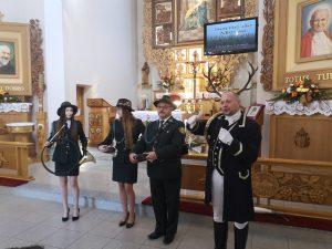"""Zespół Francuskiej Muzyki Myśliwskiej """"Trompes de Pologne"""" Myśliwi, uczestnicy i goście"""